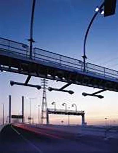 Multi-lane freeflow electronic tolling